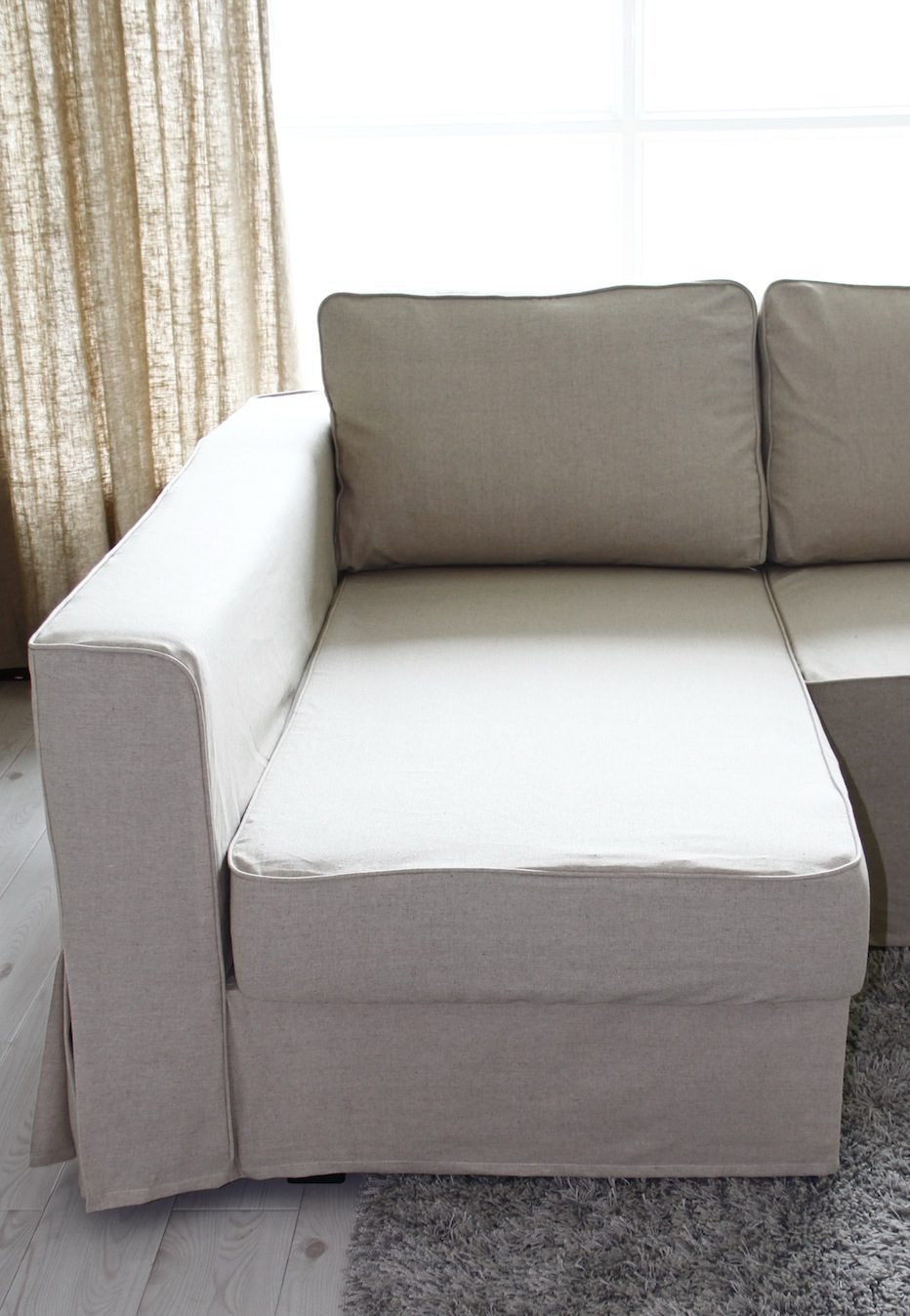 Individual cover for the Chaise's seat cushion allows access to storage.