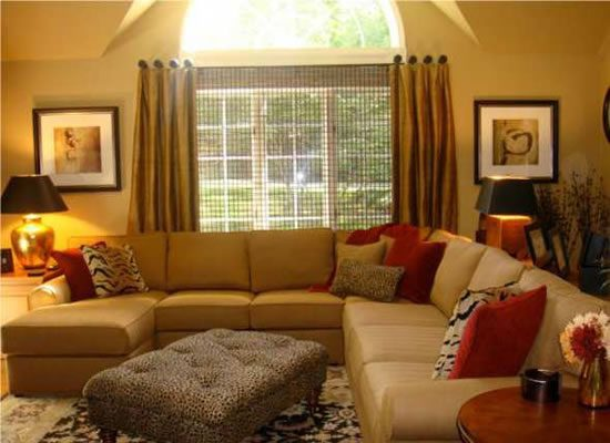 Best ikea sofa styles features for active families for Ideas to decorate a small family room