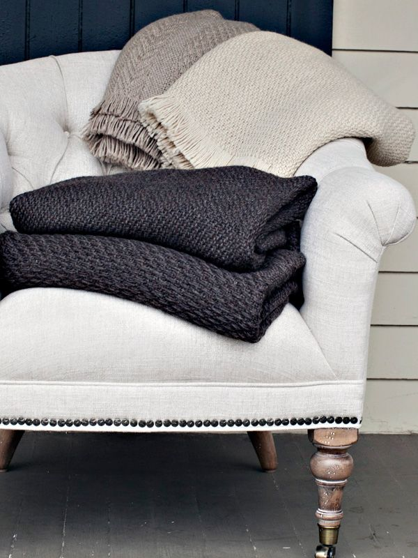 Living room inspiration by season part 2 autumn winter - Living room throw blankets ...