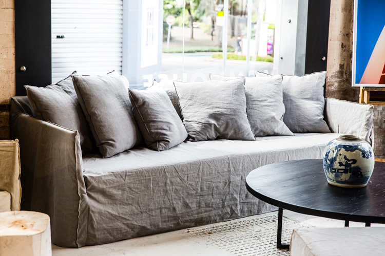 Incroyable Loose Grey Linen Slipcovered Sofa