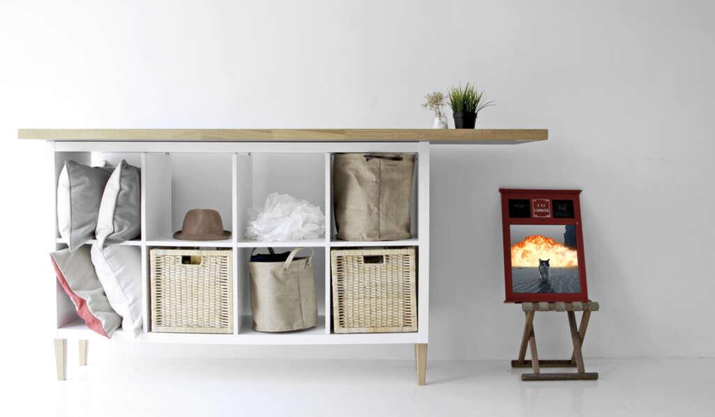 IKEA Kallax, avec les pieds de meuble de Comfort Works