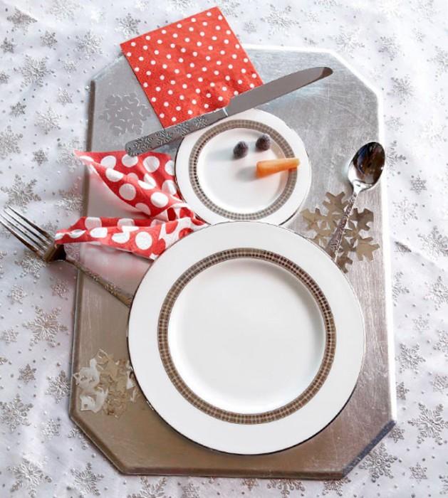 christmas plate arrangement