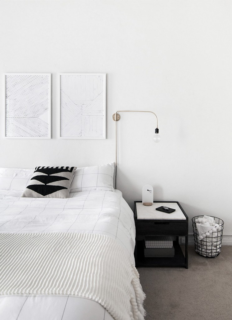 minimal-monochrome-bedroom-homeyohmy1