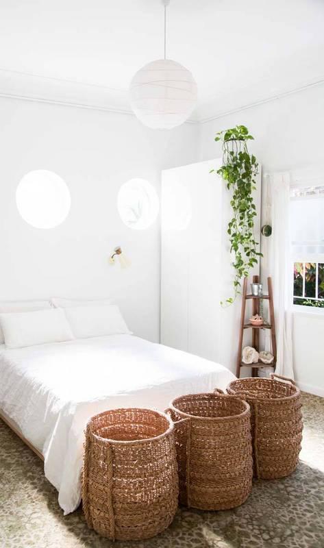 minimalist-white-basket-bedroom-domino