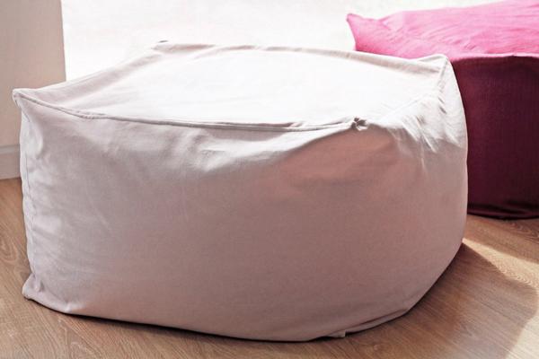無印良品体にフィットするソファ vs IKEA BUSSANビーズクッション
