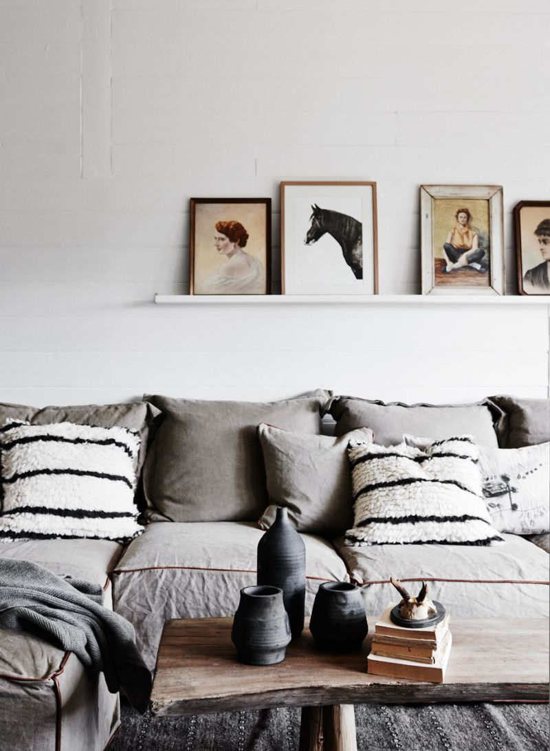 Living-room-paintings-on-shelf