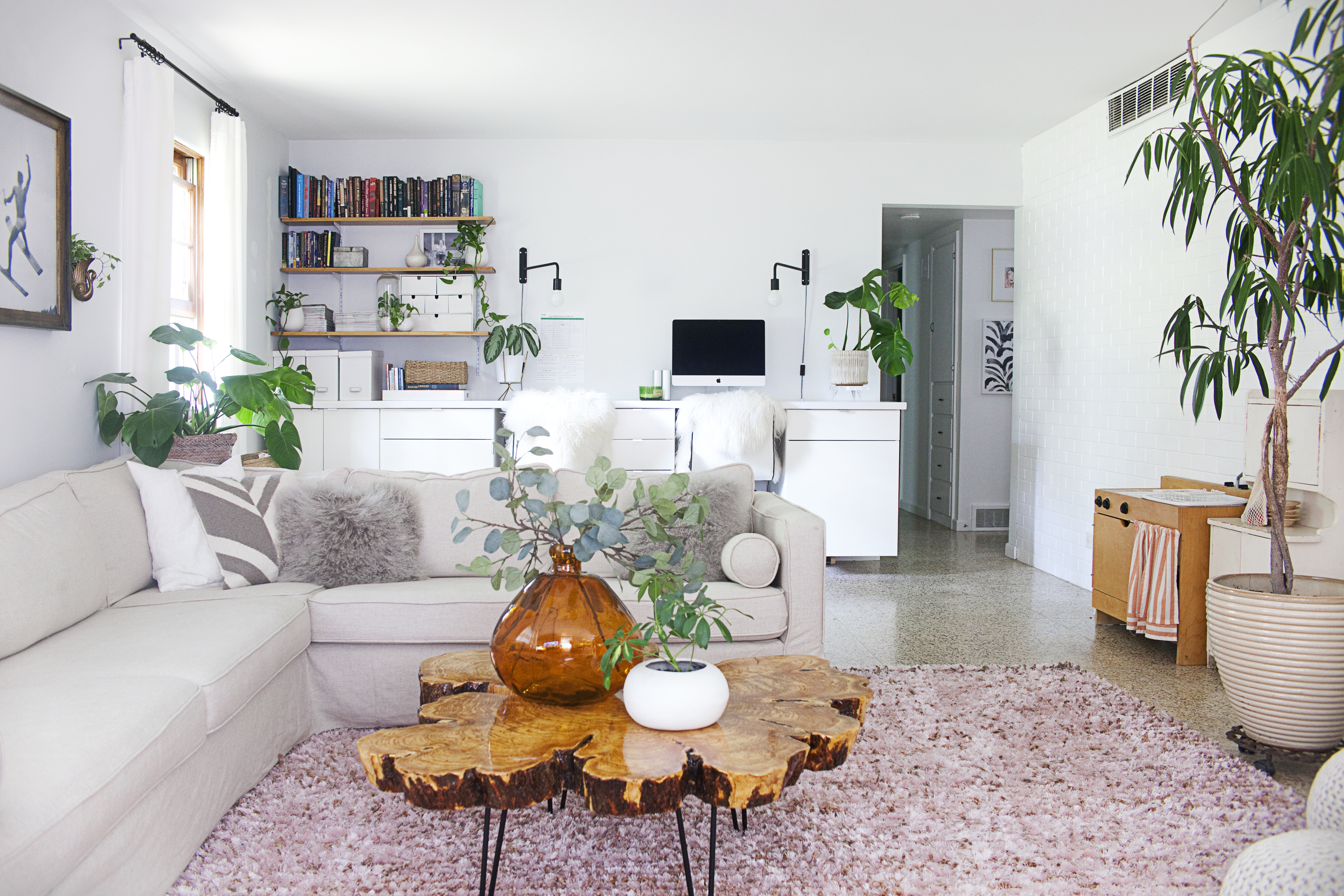 Living room decorated with plants Inspiration Ideas
