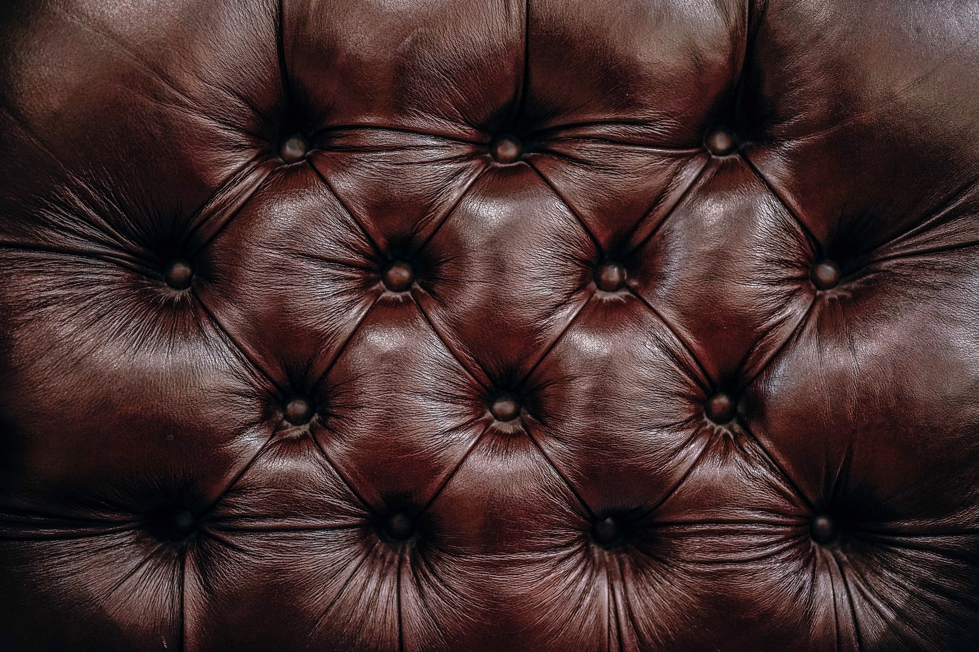 Brown Tufting Leather And Ways To Remove Bad Smells From