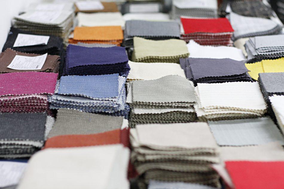 7 fa ons de restaurer votre vieux canap donnez une nouvelle vie votre canap. Black Bedroom Furniture Sets. Home Design Ideas