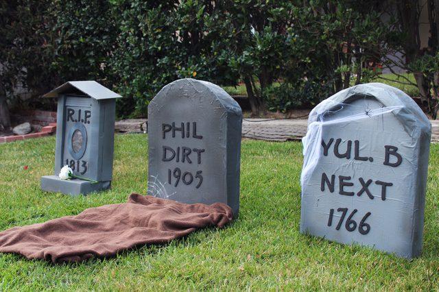 Halloween Decor Ideas - Cardboard Tombstones