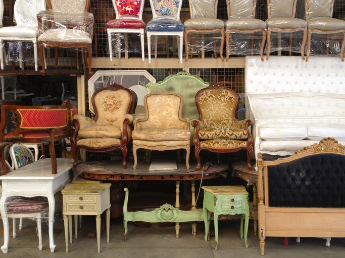 How To Decorate Your Home On A Budget - Thrift Shop