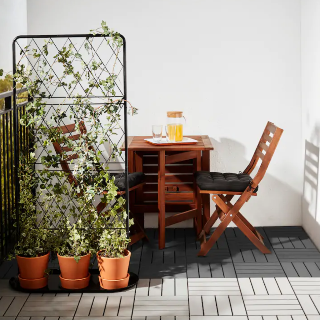 These Outdoor Finds From IKEA Make Any Backyard Look Truly Magical (RUNNEN)