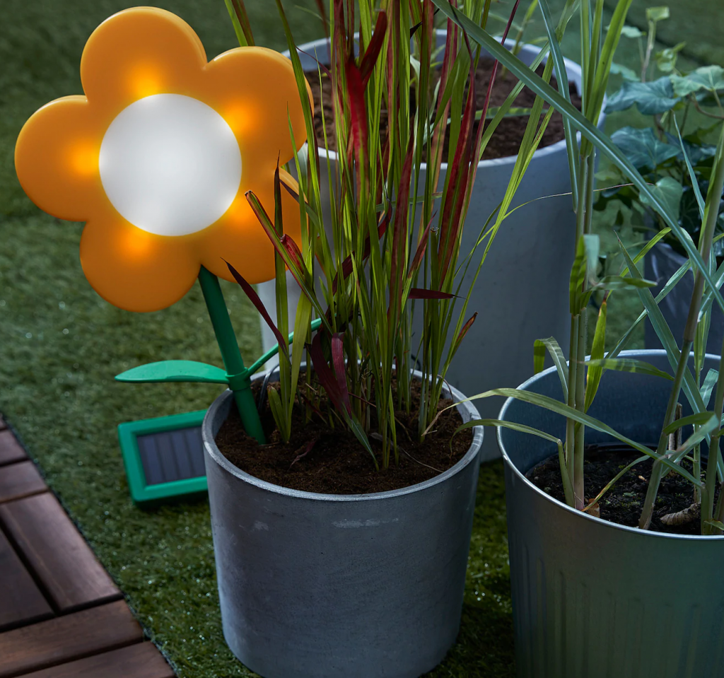 These Outdoor Finds From IKEA Make Any Backyard Look Truly Magical (SOLVINDEN)