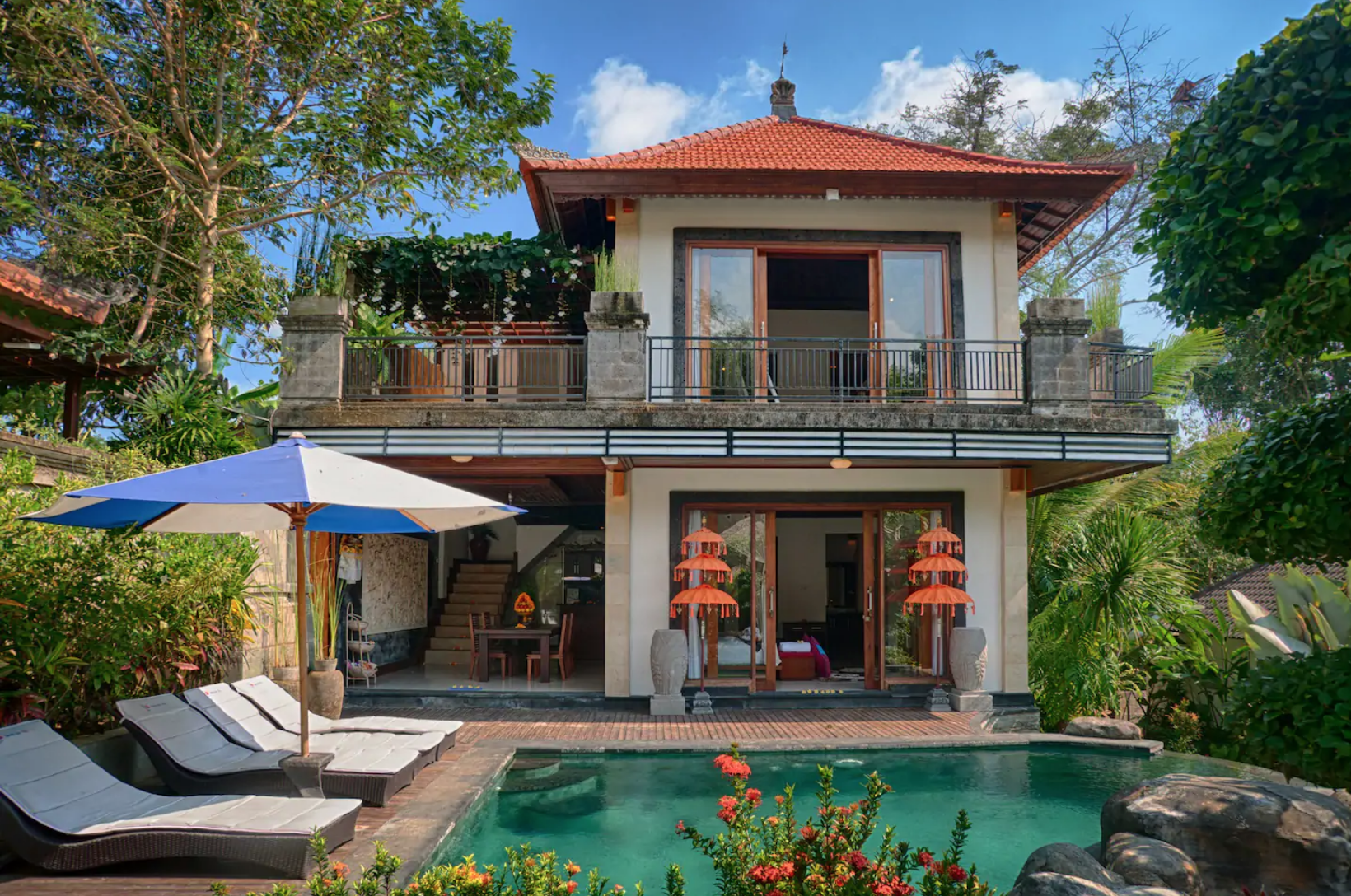 6 Captivating Airbnb Homes To Stay For Under $200 A Night
