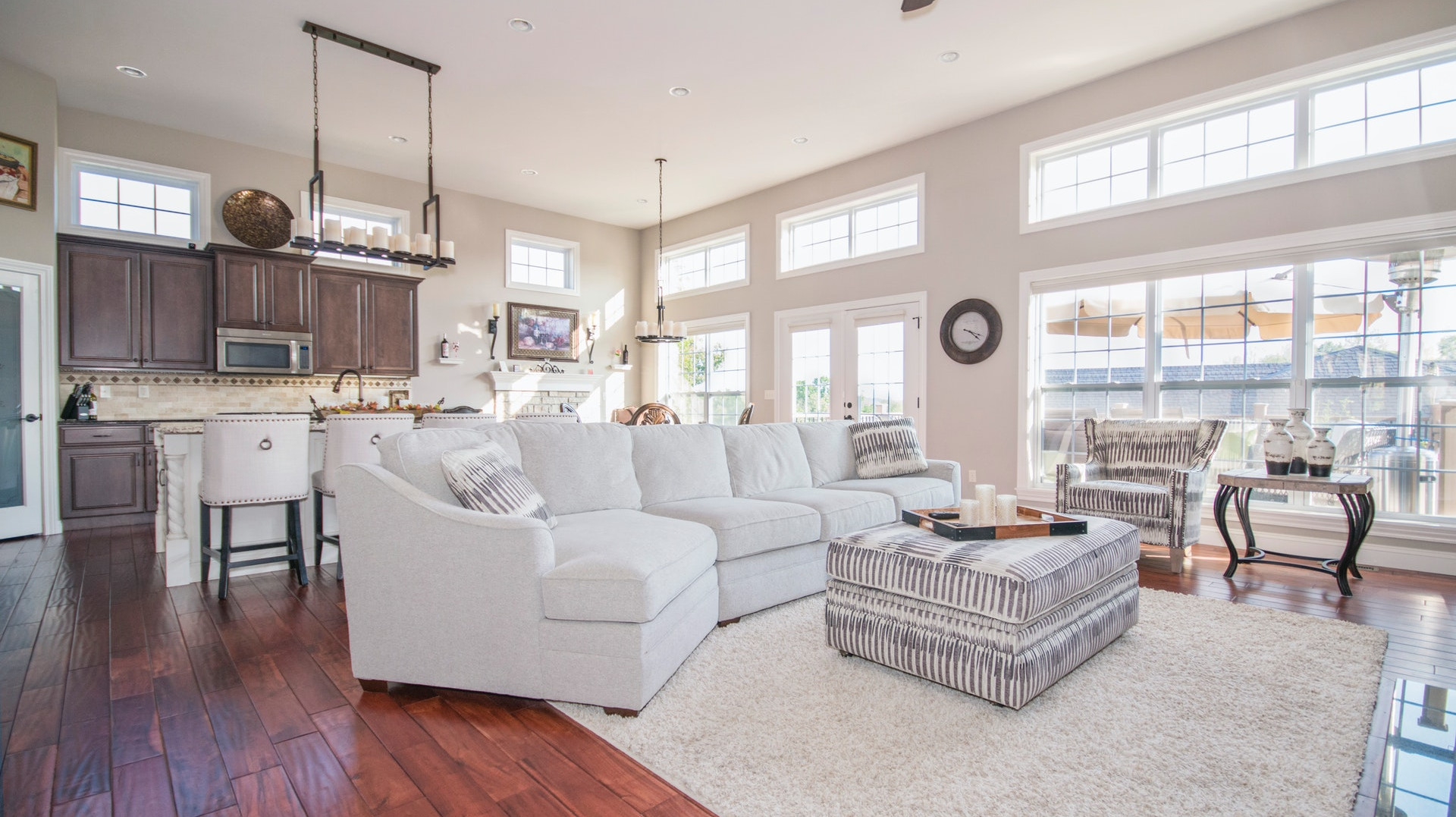 Steal This Look: Farmhouse Living Room Inspirations