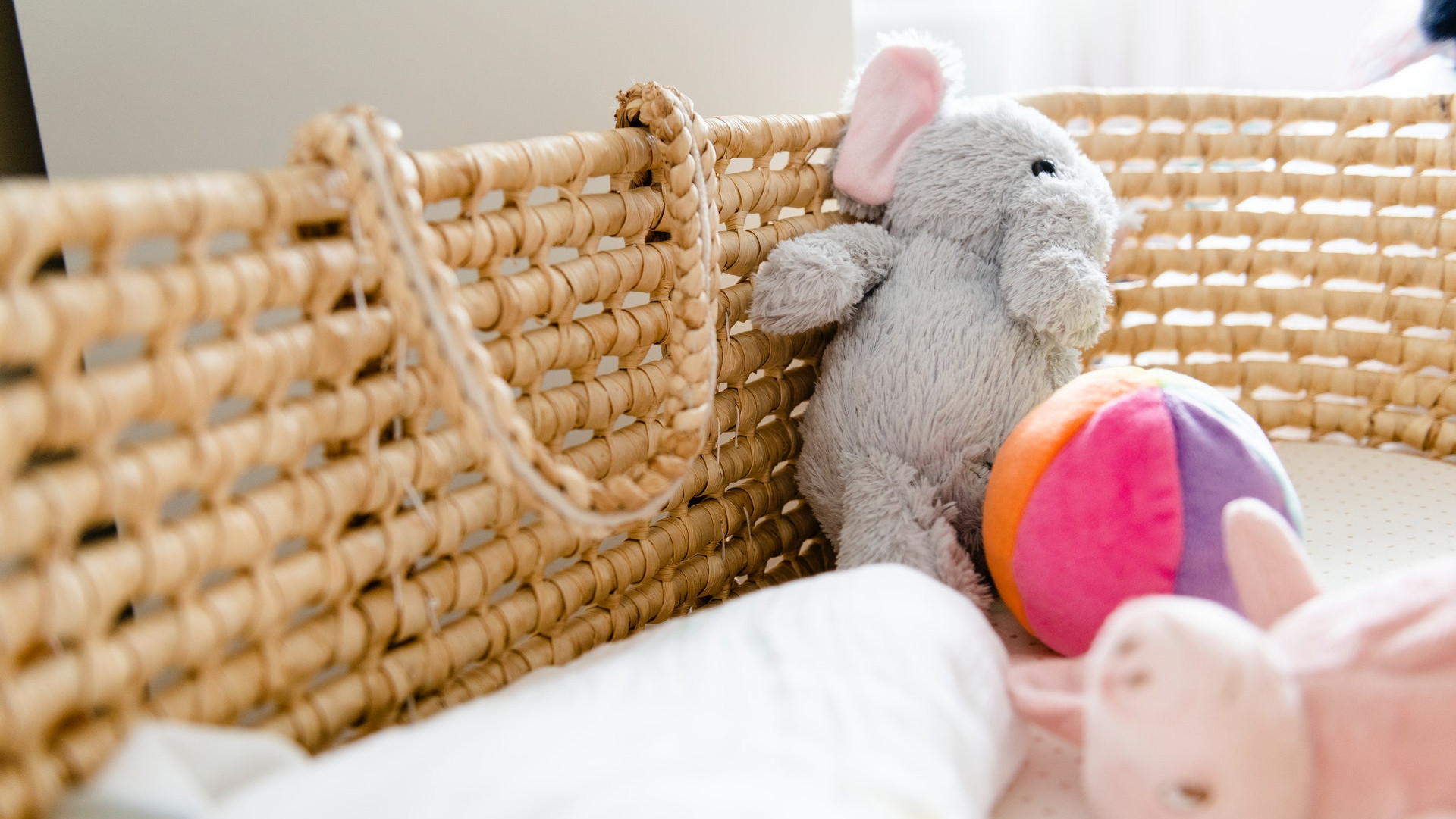 8 Gorgeous Nursery Ideas To Steal For Your Baby Girl