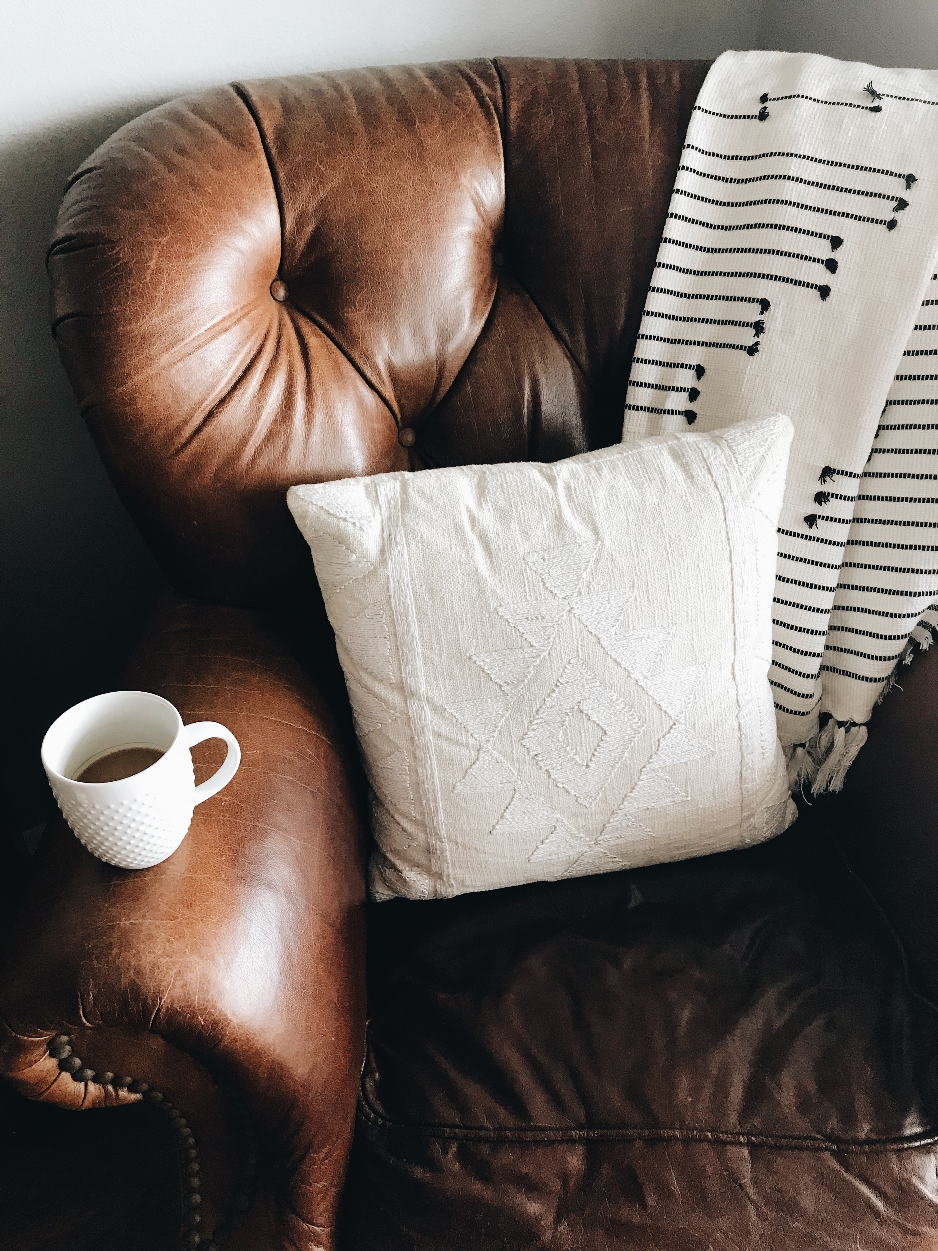 7 Smart Ways To Keep Your Sofa Looking Brand New
