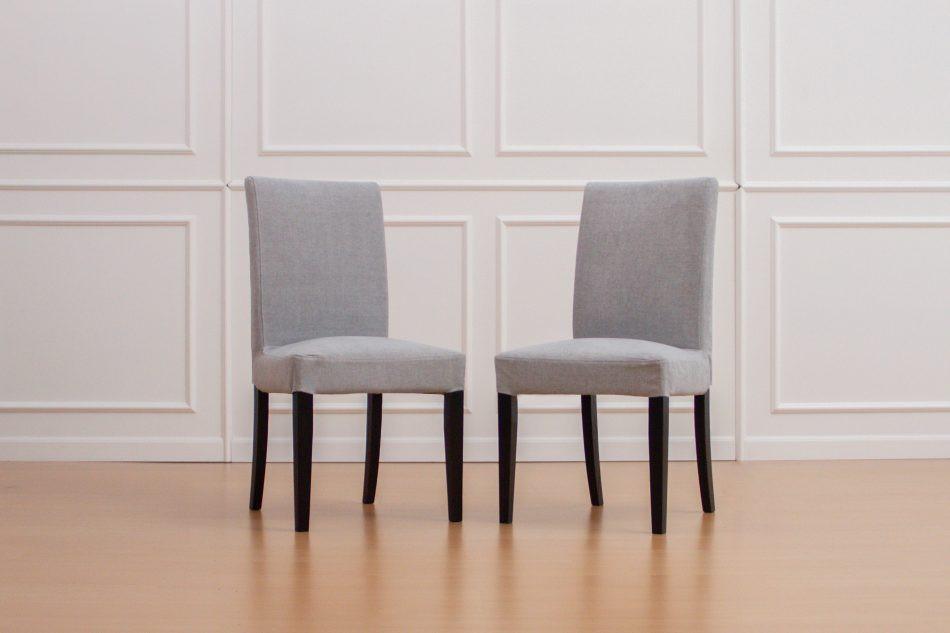 IKEAのへリンクスダールにコンフォートワークスで作った椅子カバーをかけました。生地は綿100%のMadison Ash。