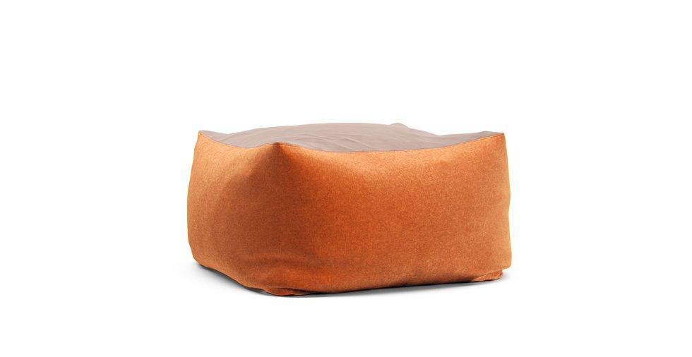 無印良品の体にフィットするソファに猫の爪とぎに強いソファカバーを取り付けませんか?生地はスクラッチプルーフオレンジです。
