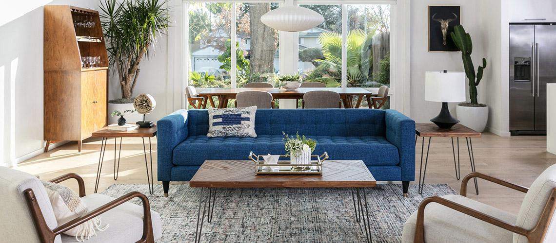 Der Mid Century Modern Wohnzimmer Stil ist wunderschön und bringt genug Flexibilität mit sich, um Dinge umzugestalten