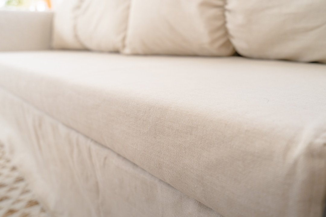 up close of the linen fabric