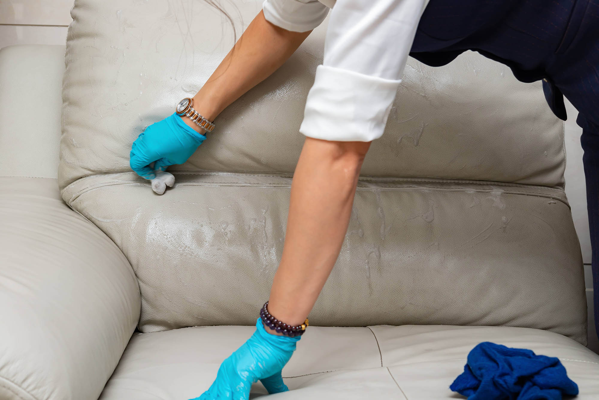 conditioning a white leather couch