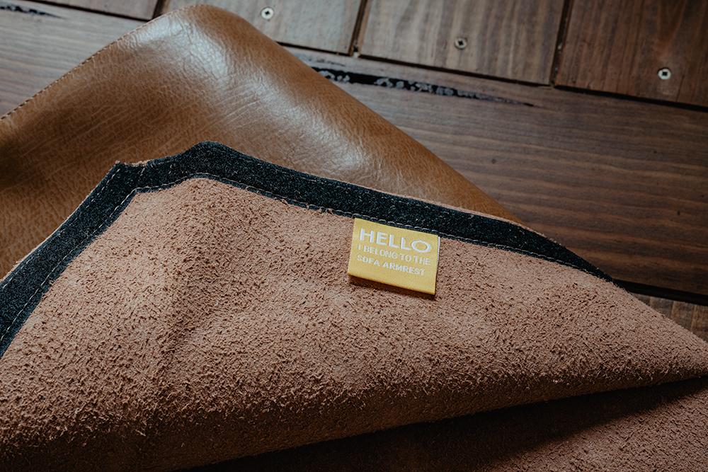 カバーリングソファでなはいソファもオーダーメイドでソファカバーを作ることができます。