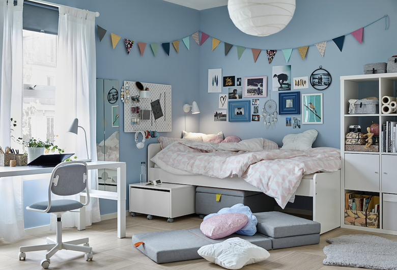 子供部屋には、収納力抜群のベッドで収納を確保!シンプルなデザインでインテリアの邪魔もしません。