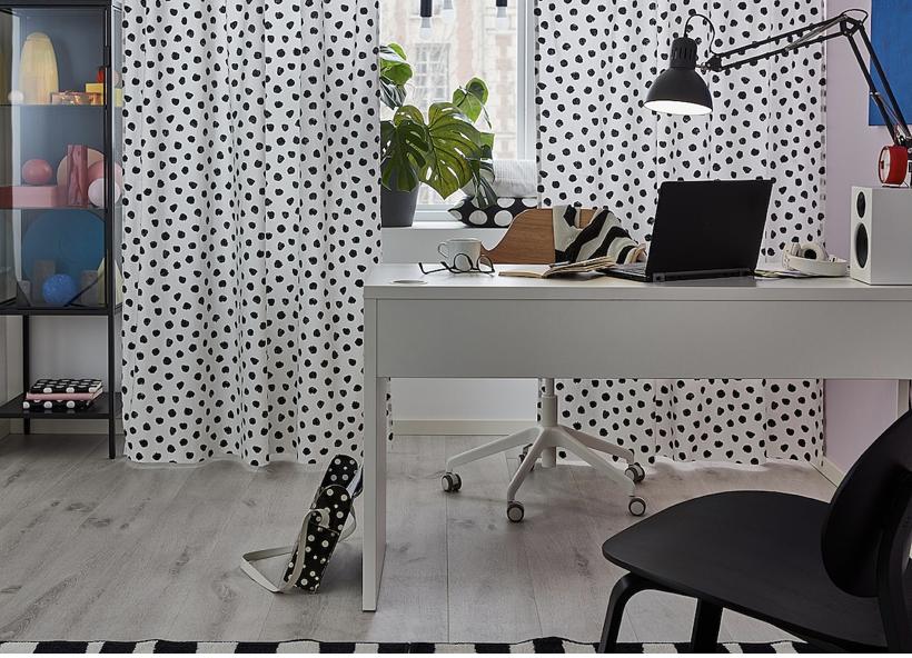 IKEAのミッケシリーズは、子供部屋だけでなくパソコンデスクとして使えるのでホームオフィスにもぴったり!
