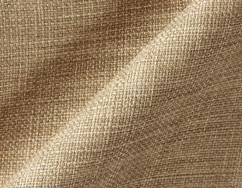 キノナチュラルに比べ濃い色ながら織り目の特徴によって重くなりすぎないキノカーキはナチュラルなインテリアのアクセントにもなります。