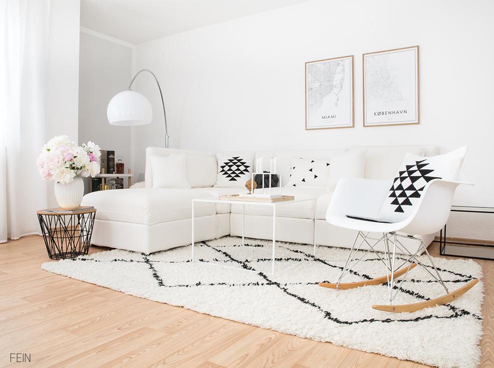 北欧インテリアでも白いソファは大活躍!色のバランスは白いソファを基準に決めるとコーディネートしやすいです。