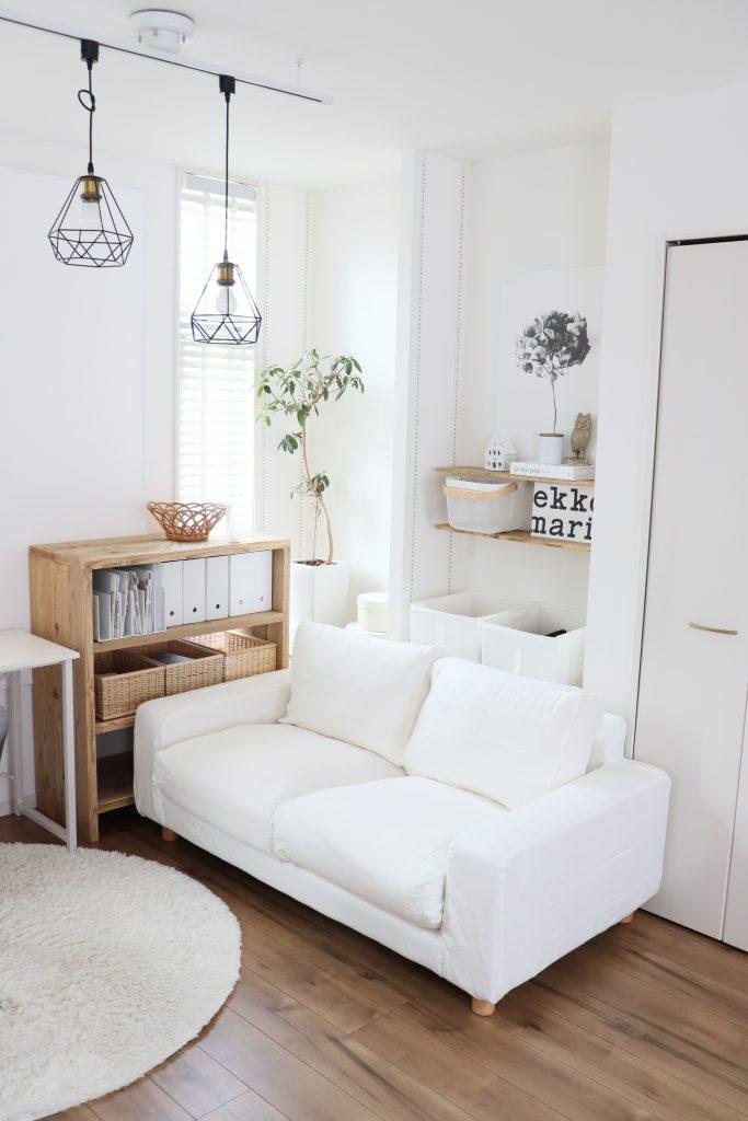 ミニマルな空間にこそ白いソファはもってこいです1空間を広々と見せてくれます。