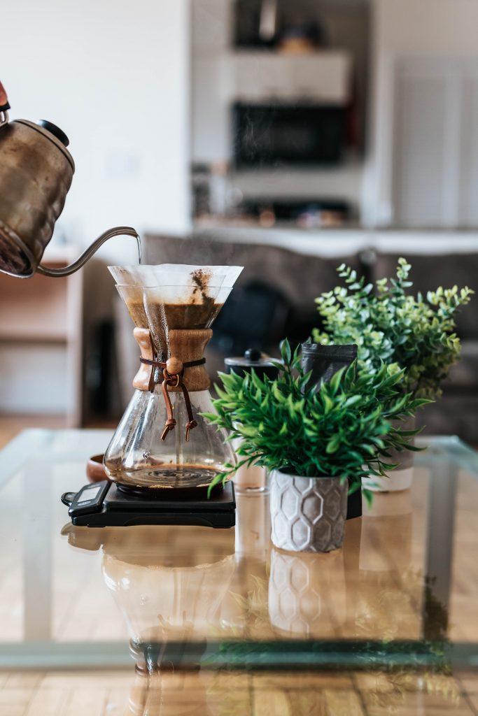 夏のボーナスどう使う? お家時間を楽しく彩るボーナスの使い方。コーヒーやお酒は贅沢な至福の時間を与えてくれます。