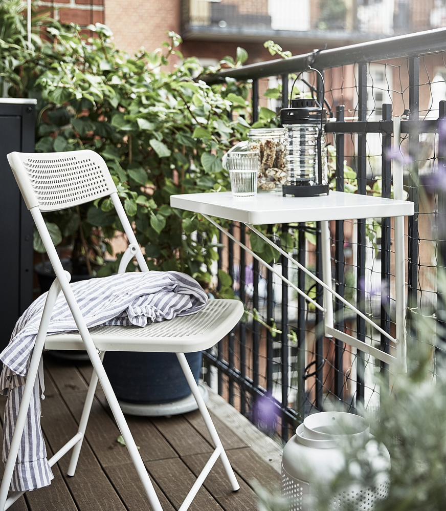 ベランダをお洒落に飾るIKEAのおすすめアイテム7選!トルパローはスペースを取らないテーブルでコンパクトなベランダにもぴったり。