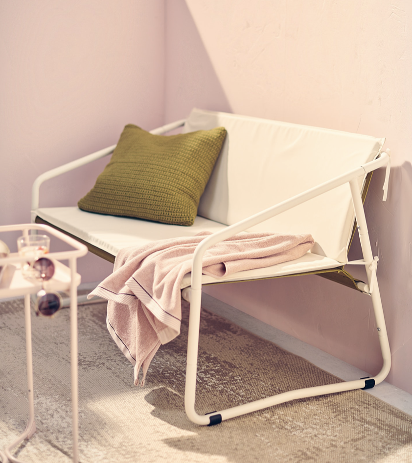 ベランダをお洒落に飾るIKEAのおすすめアイテム7選!イングマルソー屋外用ソファーはベランダでくつろぐのにもってこいのアイテムです。