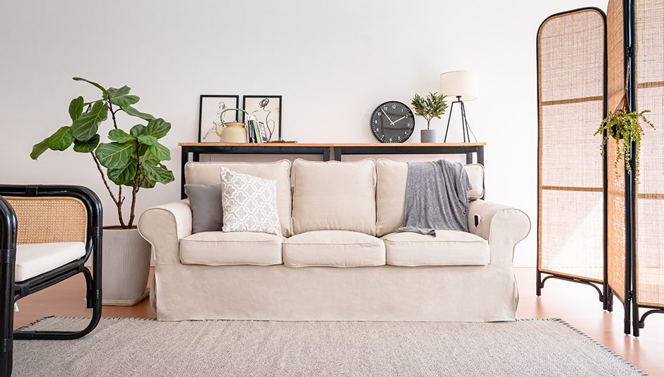 Top 10 farmhouse sofas with stunning examples in the living room