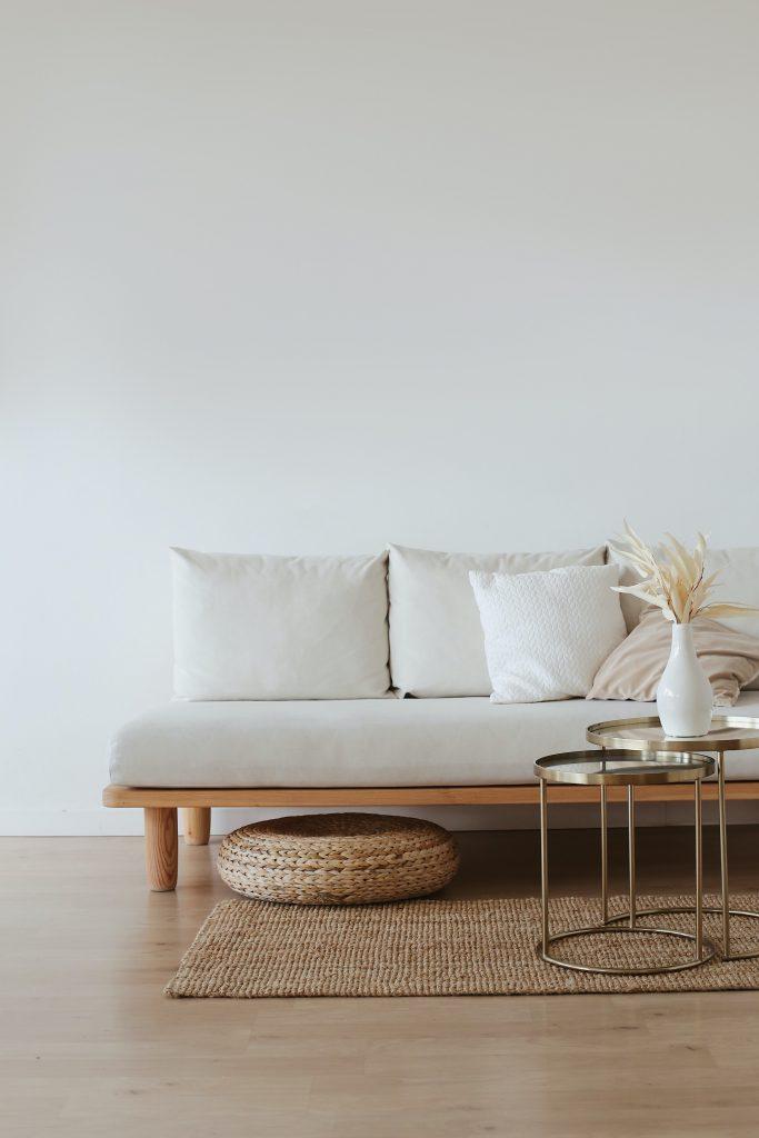 海外で大注目のジャパンディはシンプルさを楽しむスタイル。家具の高さを低くし、広々とした空間を作りだすのもポイントです。