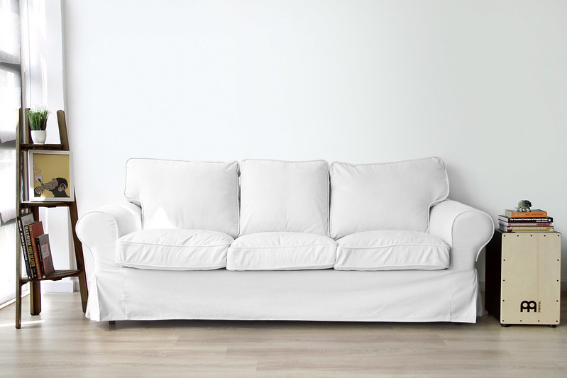 white-cotton-covers-perfectly-fitted-on-an-IKEA-Uppland-sofa
