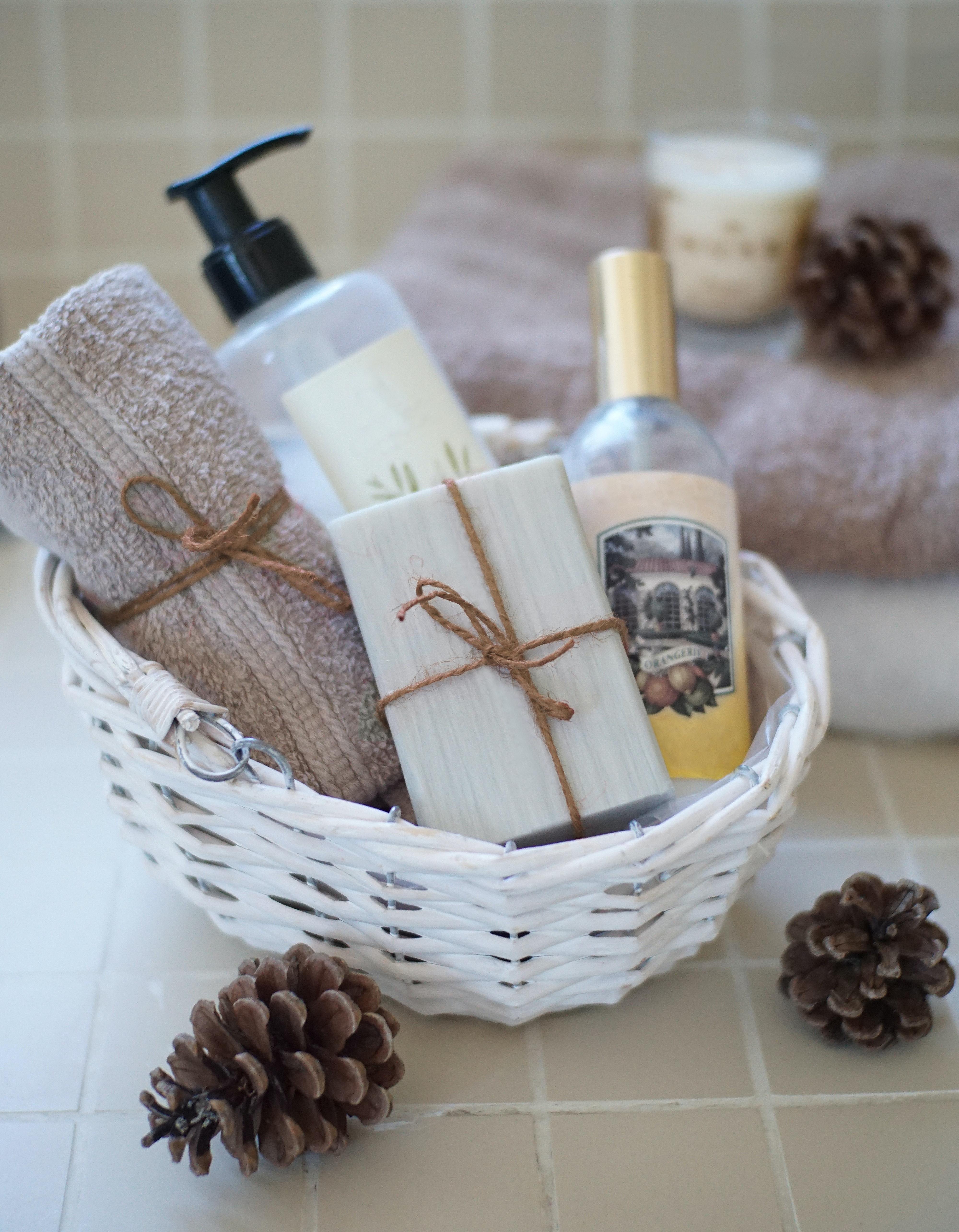 soft furnishing in the bathroom for fall season